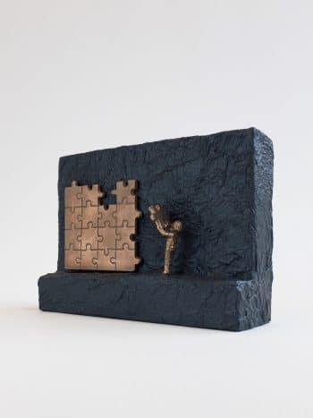 STRÆBER MOD TOPPEN - ægte bronze