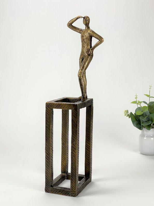 TÆNKE UD AF BOKSEN - ægte bronze